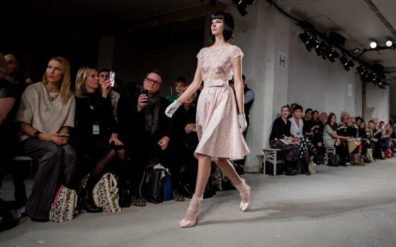 Lena-Hoschek-Fashionweek-Berlin-Herbst-Winter-Dollhouse