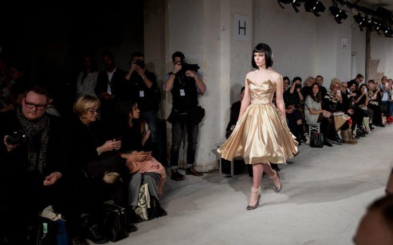 Lena-Hoschek-Runway-Kaufhaus-Jandorf-Berlin-Fashion-Week