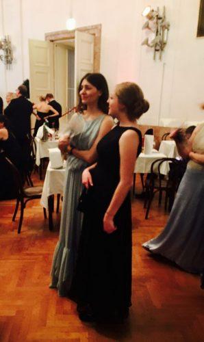 Kristina und Kerstin auf dem Tanzparkett