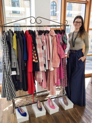 SPREADie Anna mit den Kleidern von Lena Hoschek